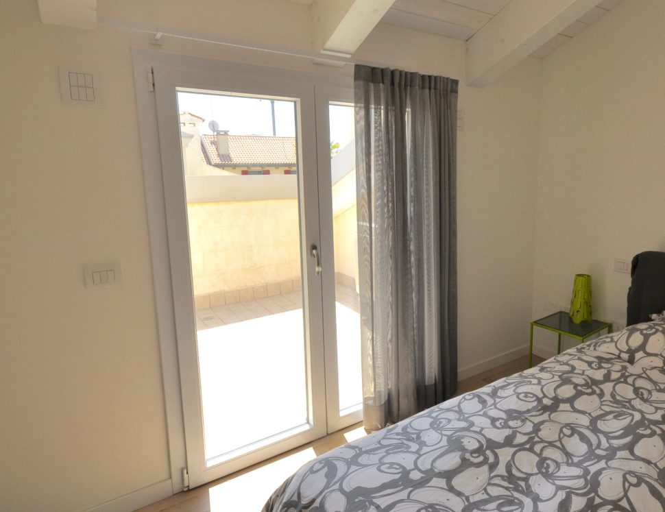 Atelier veneto tende moderne per camera da letto - Tenda per camera da letto ...